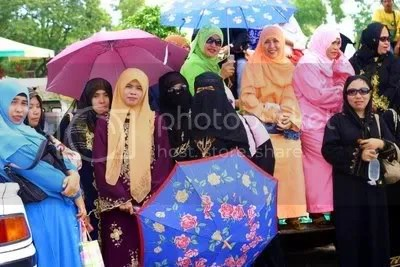 Muslim ladies at rest