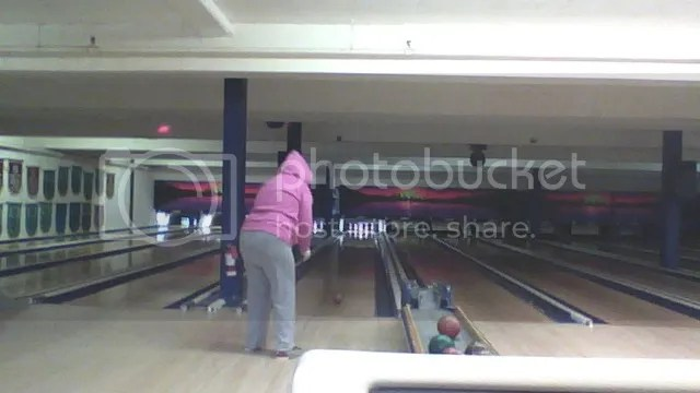 Me bowling ^^ photo 2013-10-18-0922361_zps7396bd54.jpg