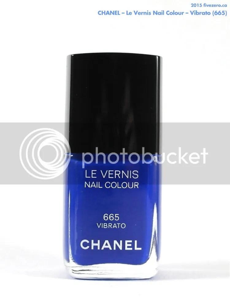 Chanel Le Vernis Nail Colour in Vibrato