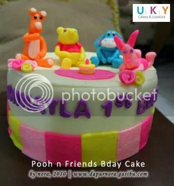 pooh birthday cake bandung