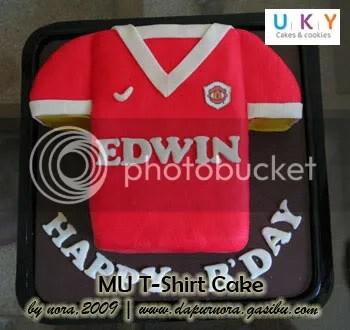 MU T-Shirt cake