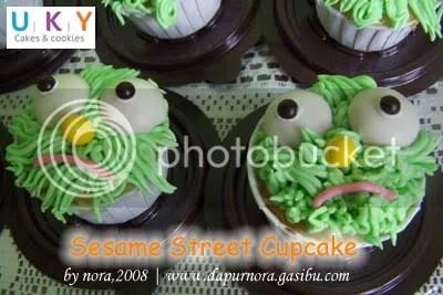 sesame street cupcake