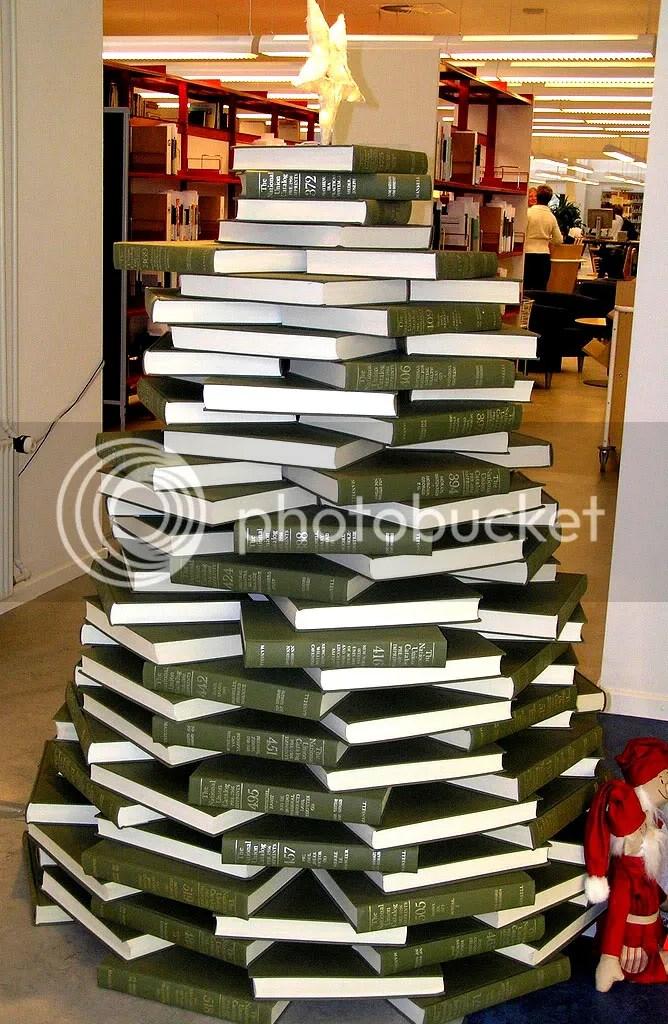 book xmas tree