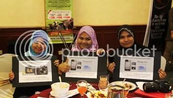 NorMj, Puan Bee dan Yanmie pemenang Contest gadget impian di majlis sepetang bersama blogger
