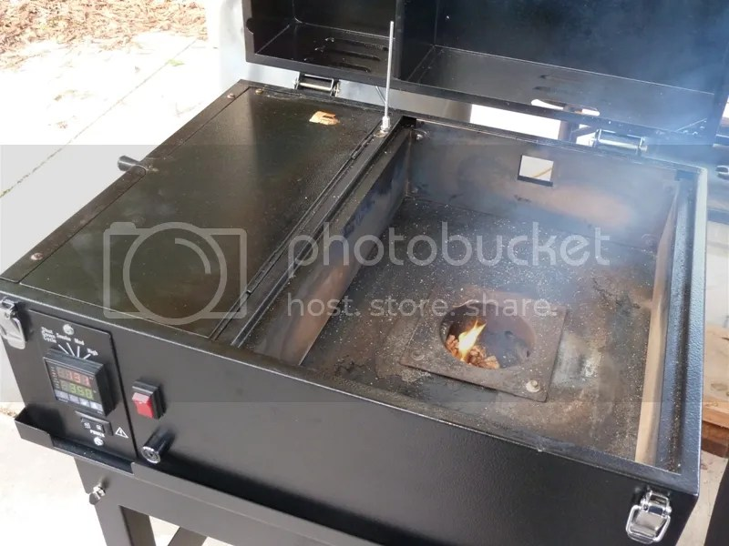 how to use a traeger smoker