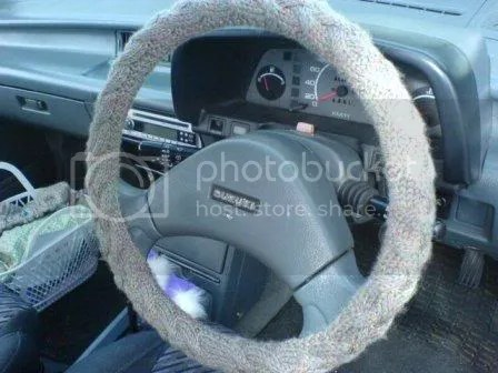 Cabled steeringwheel cover