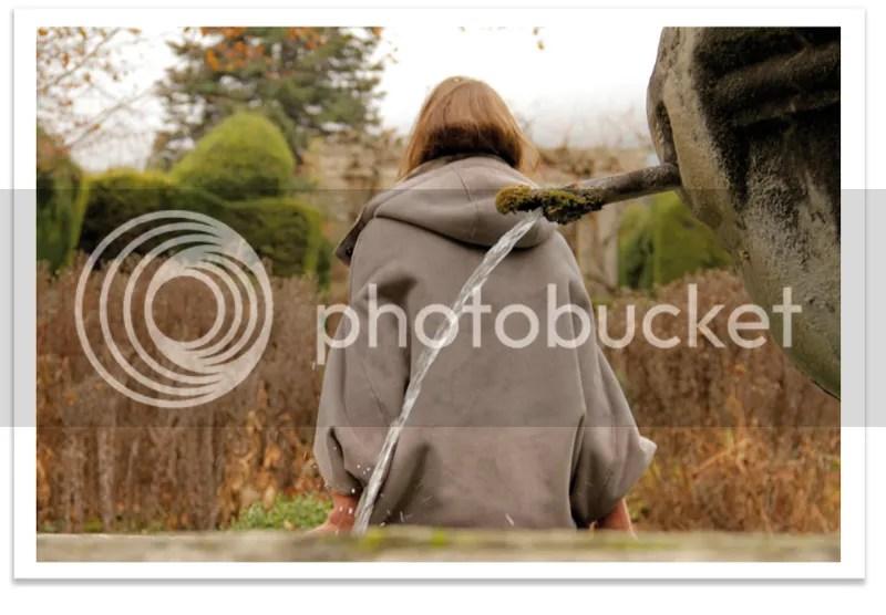 Mi capa salvadora / My cape is my saviour