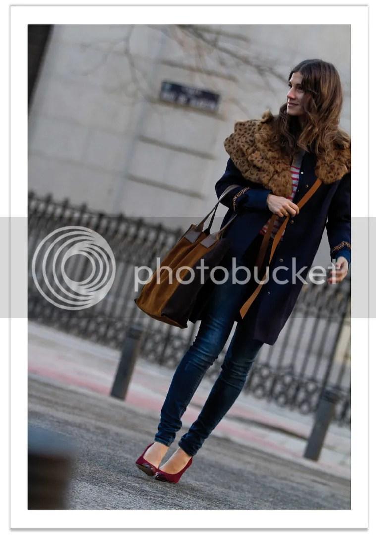 look zara jeans y capa