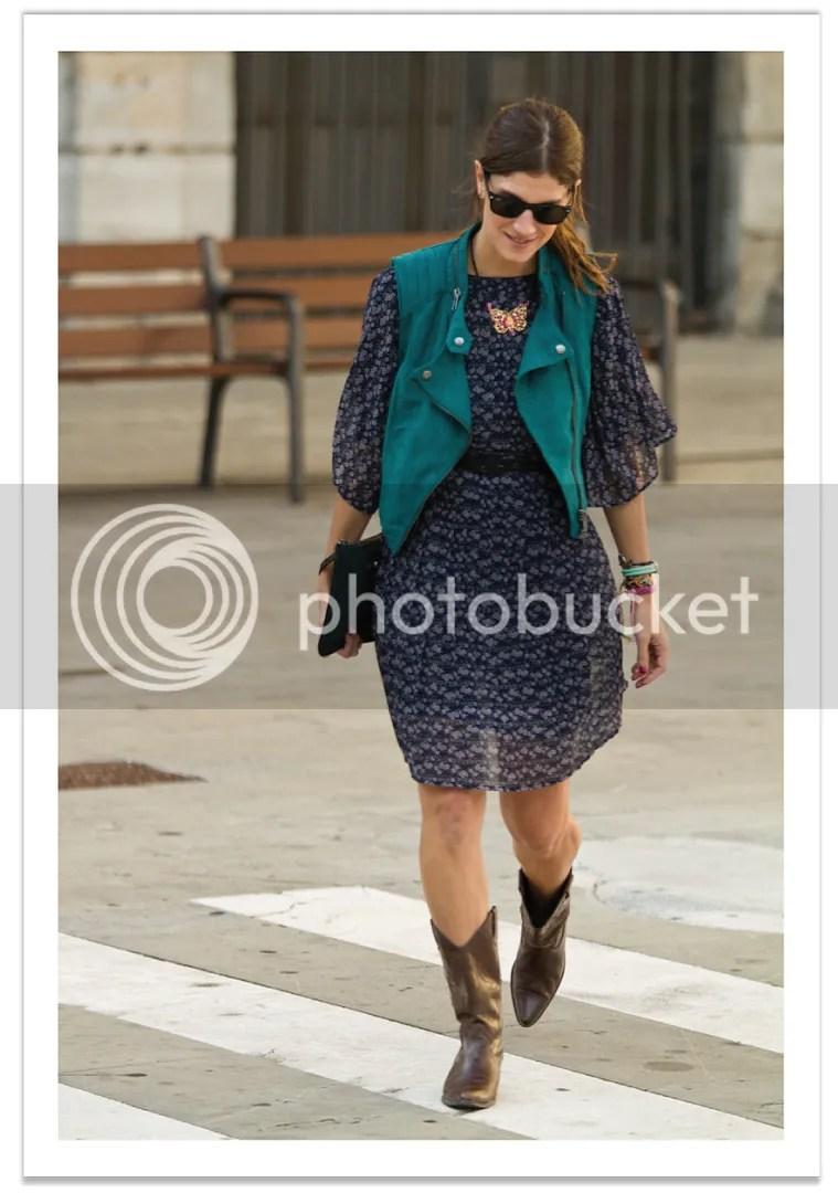 vestido-gasa-botas-cowboy