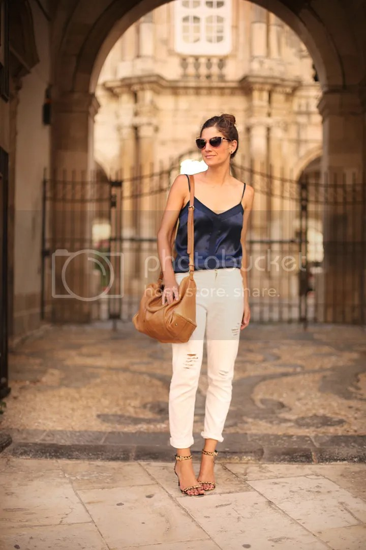 photo white_pants-blue_top-streetstyle-balamoda37_zps08279d25.jpg