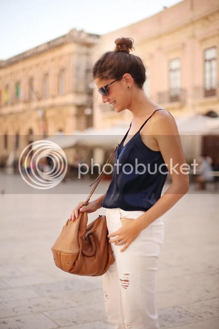 photo white_pants-blue_top-streetstyle-balamoda50_zps88d23f35.jpg