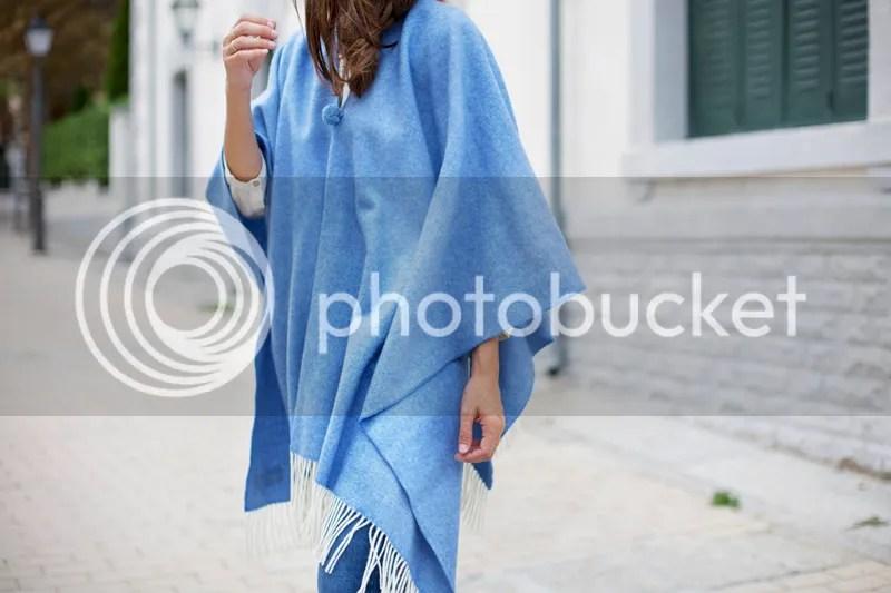 photo blue_poncho-poncho_trend-streetstyle-balamoda11_zpsbc341435.jpg