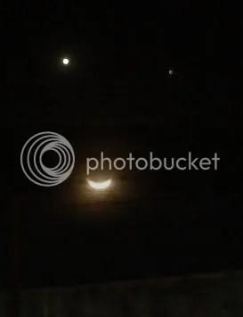 Bulan Sabit Tersenyum