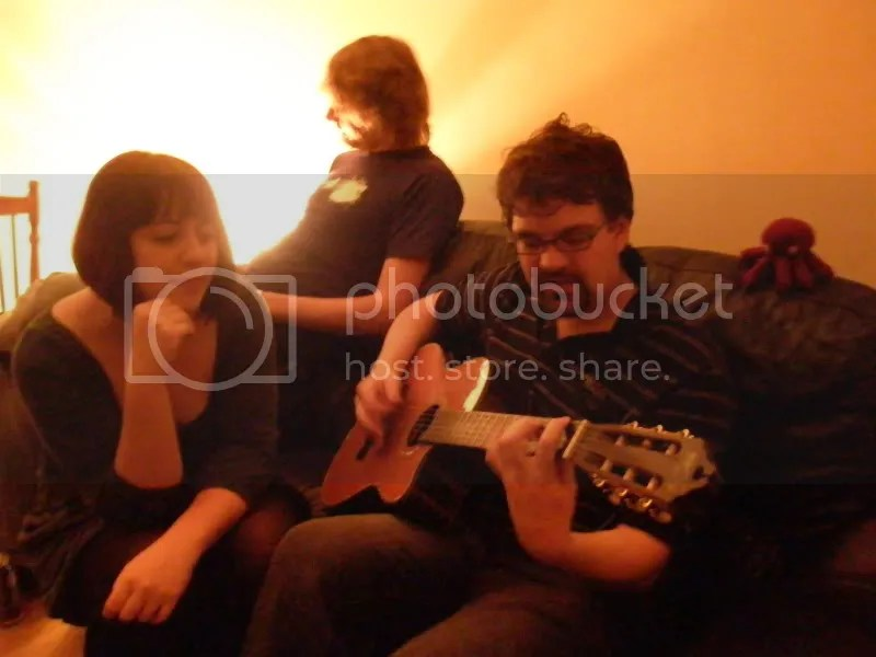 Otto with some people and a guitar. ^_^!
