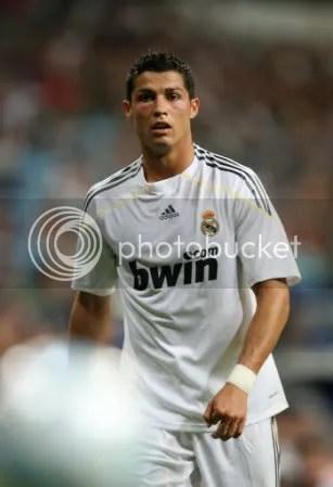 cristiano ronaldo free kick photo: Cristiano Ronaldo 2971071026-27072009071942.jpg