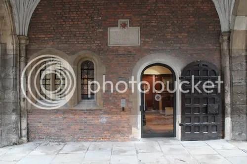 Clerkenwell St John's Gate 3