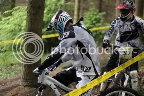 hopton castle downhill mountain bike 3
