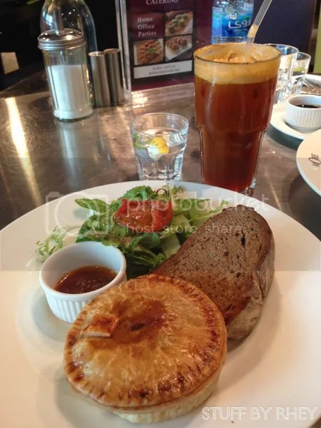 More cafe DIFC- Chiken pie, pumpkin soup and salad