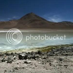 BOLIVIA – a desert in color