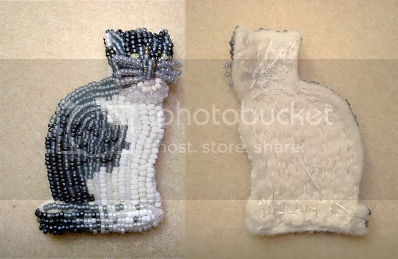 beaded kitten Cat feline bead embroidery wearable fine art jewelry brooch pin