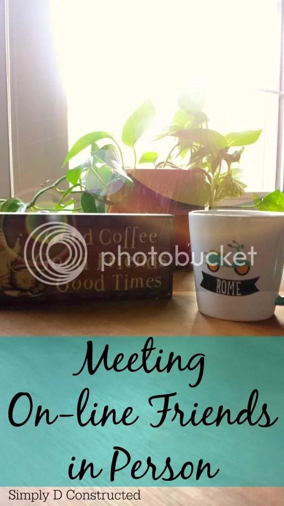 photo MeetingOnlineFriends_zps7994f1db.jpg