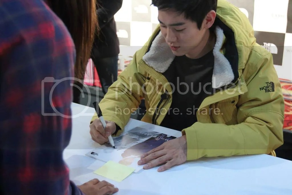 photo fansignNF3.jpg