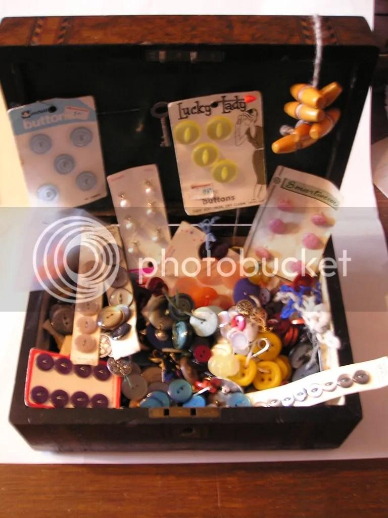 Button Box extradonaire