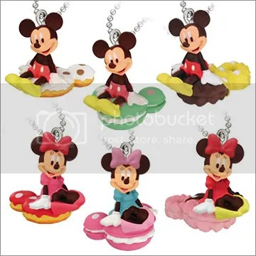 #LS062 -Minnie sitting on Cookie Keychain - $2.50 each