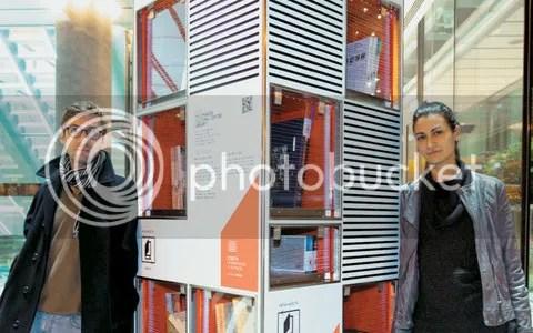 Ειρήνη - Αιμιλία Ιωαννίδου και Λευτέρης Αμπατζής, οι δύο αρχιτέκτονες που είχαν την ιδέα της ανταλλακτικής βιβλιοθήκης