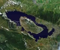 Danau Toba dan Pulau Samosir Taken From kaskus.us