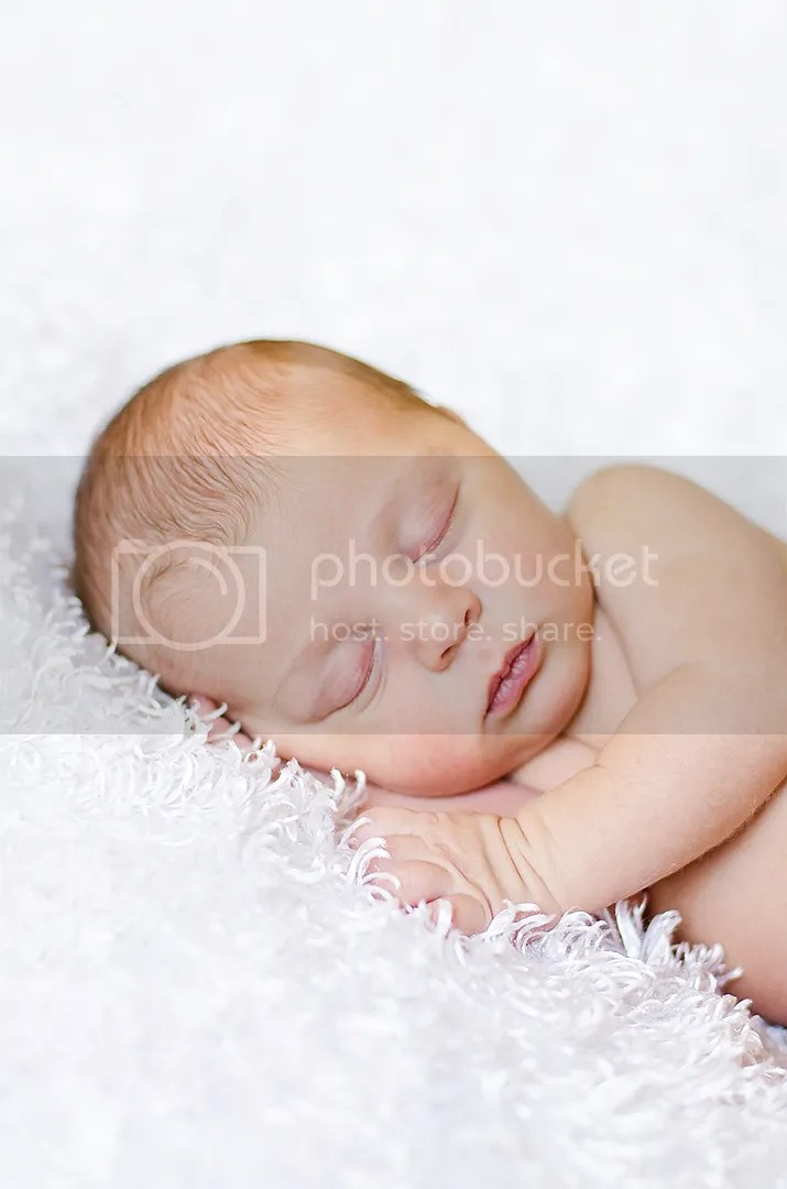 photo LGavernewborns_KaraSimmons_4_zps3b5349b4.jpg