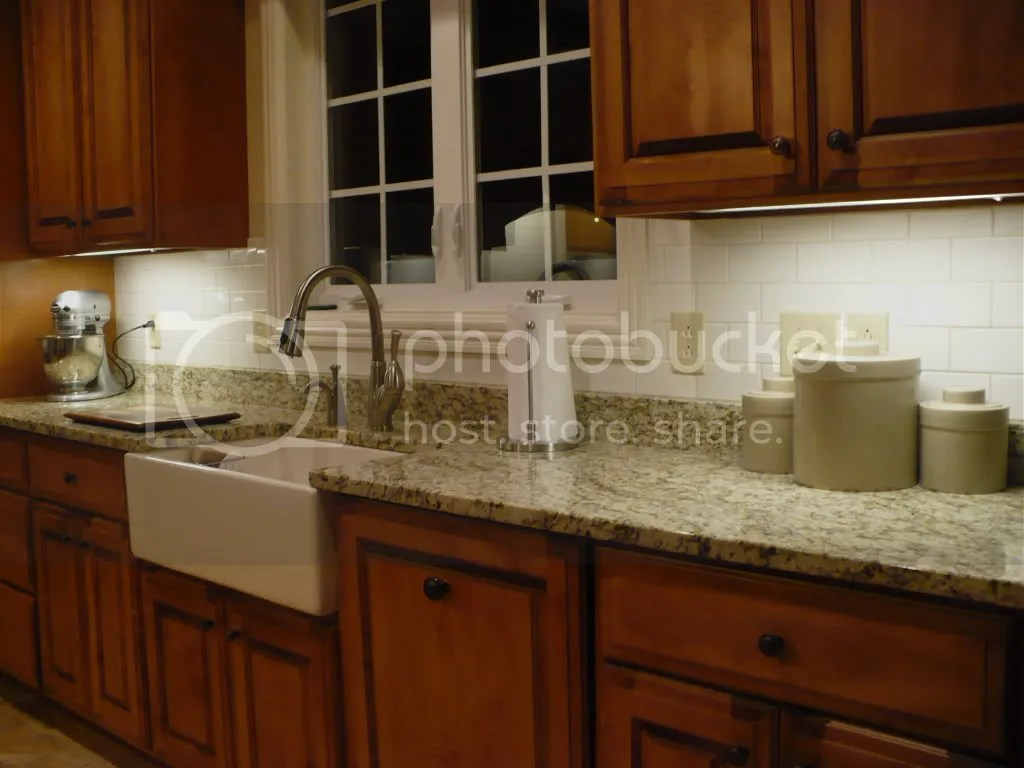 Fourtitude.com - Granite Countertops/Tile Backsplash on Granite Countertops And Backsplash  id=60222