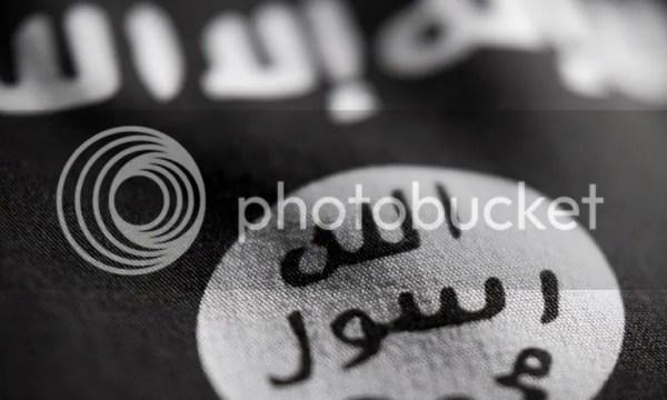 """Auf der IS Flagge steht: """"Es gibt keinen Gott ausser Allah. Muhammed ist der Botschafter Gottes."""""""