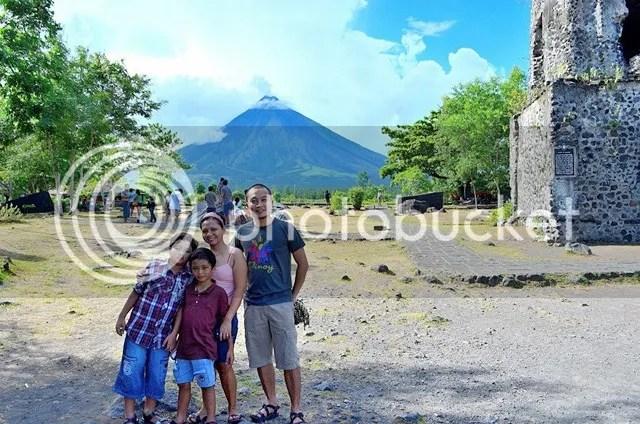 Mayon Volcano family bonding