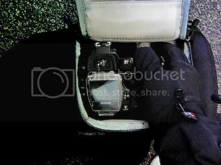 Removing the D70 with gloves