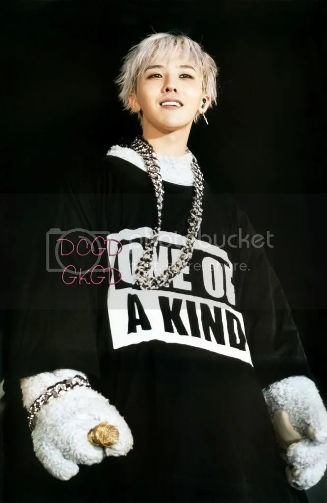 photo gdragon_one_of_a_kind_scans_007-800x1230_zps88900e19.jpg