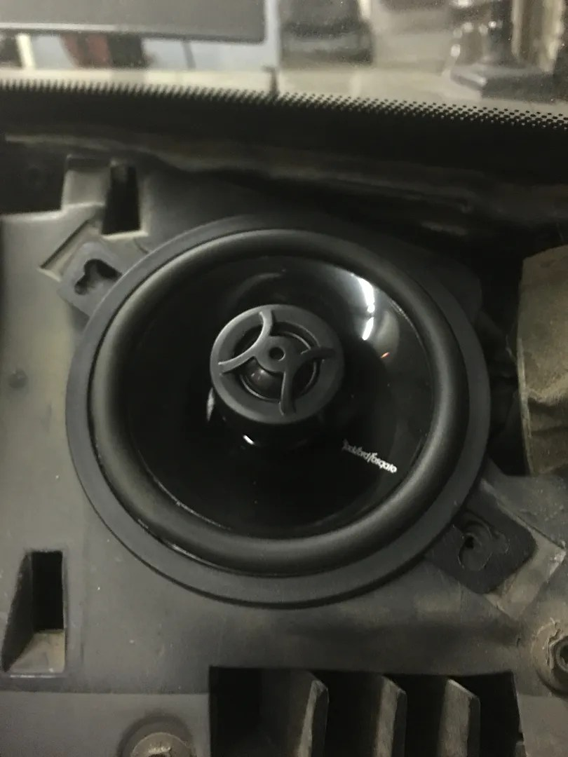 Ford Mustang Stereo Adapter