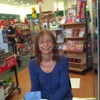photo Gigibooksigning_zps12f0f297.jpg