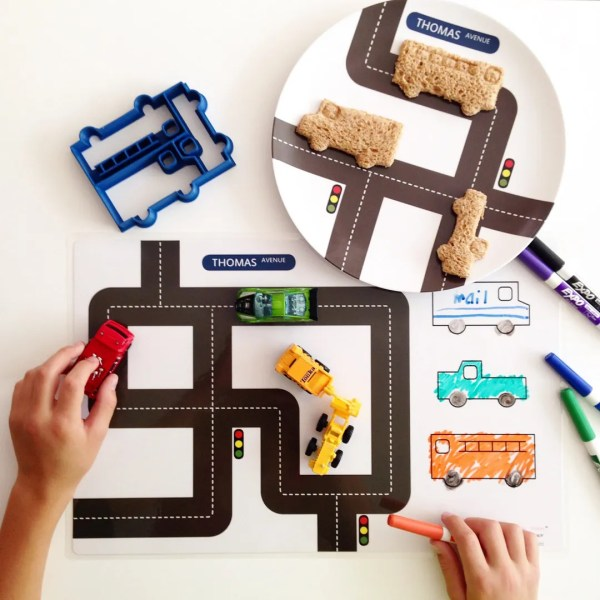 Personalized plates for kids make such awesome gifts
