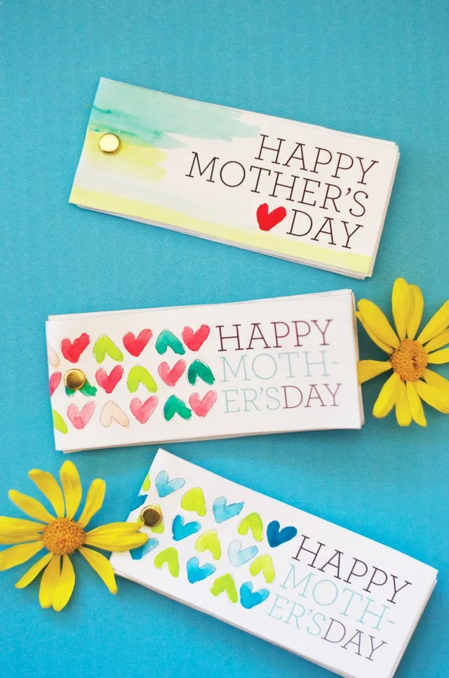 Free Mother's Day printables: Watercolor Flip Book by Little Monster