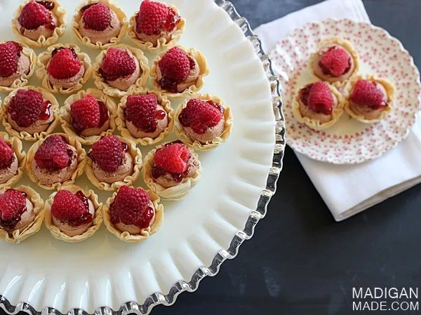 Easy Chocolate Raspberry Dessert Cups - these would be perfect for a brunch or bridal shower