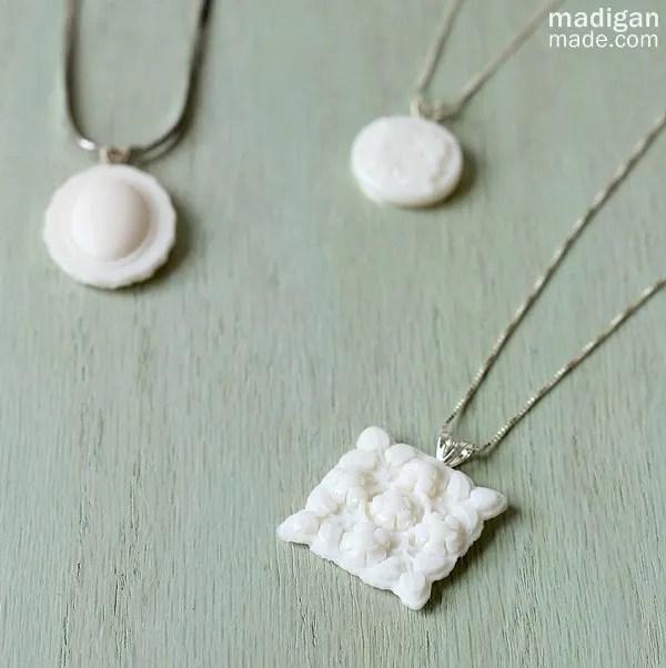 DIY milkglass necklace