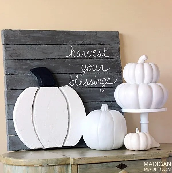 Easy fall-inspired pallet art using foam