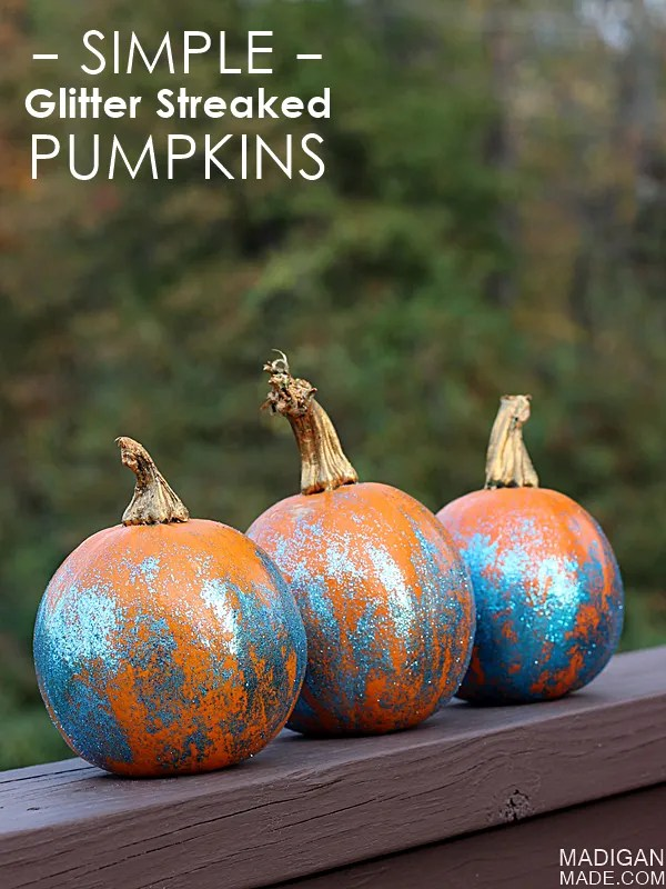 Simple glitter streaked pumpkin craft