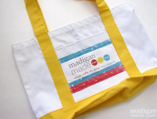 how to put your blog logo on a tote