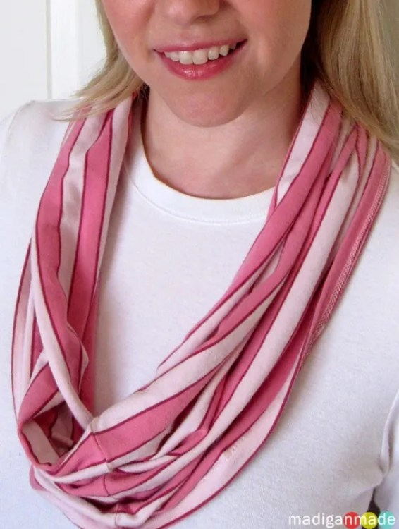 infinity circle scarf from a t-shirt
