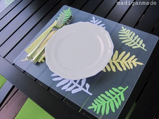 Place Mats from Plastic Chopping Mats
