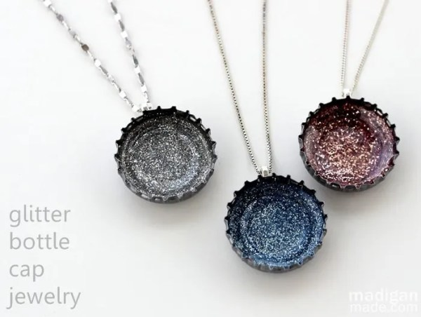 DIY jewelry with bottle caps and glitter
