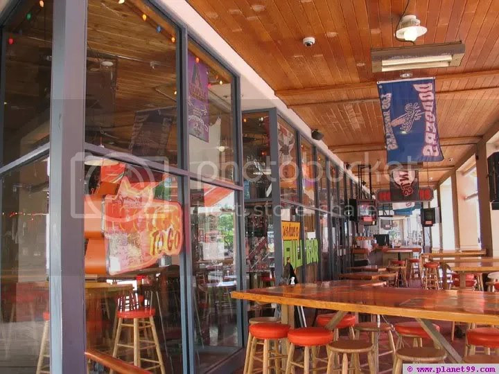 Hooters, Arizona Center, Downtown Phoenix