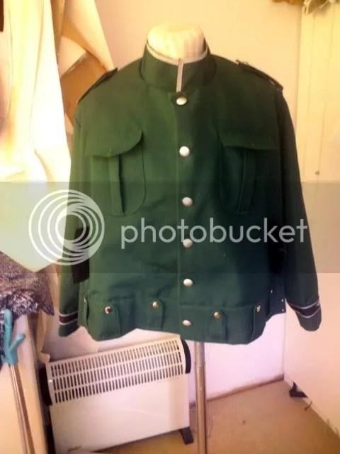 Grön uniformsjacka
